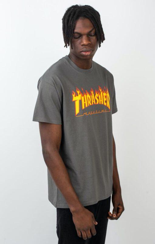 Camiseta THRASHER Magazine Hombre Flame logo manga corta Ref. 110102 GRIS CARBÓN Llama fuego amarilla y naranja