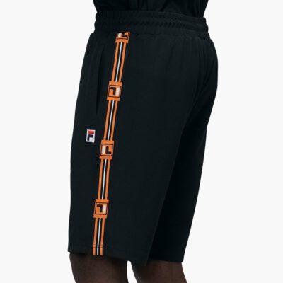 Pantalón Shorts corto FILA chico HALL SHORTS Ref. 687642 Negro y bandas naranjas laterales logo