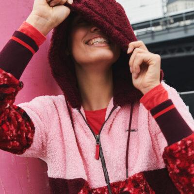 Polar O'NEILL con capucha y cremallera completa Snow City Fun Sherpa Ref. 0P5213‑4104 rosa caramelo
