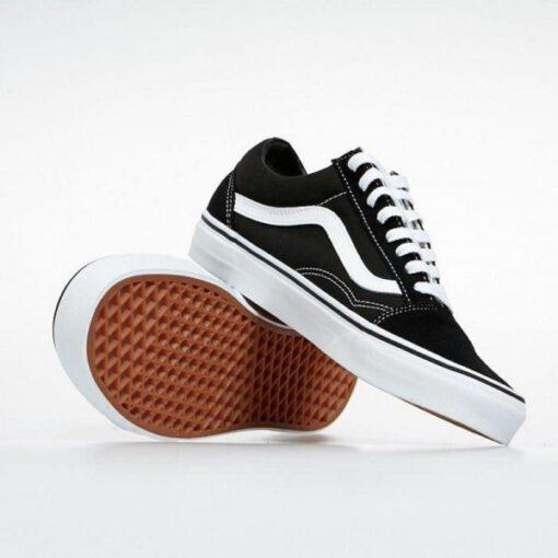 Zapatillas VANS clásicas y cómodas Sneakers deporte unisex VANS Old Skool Black/White Modelo: VN000D3HY281 negra con franjas blancas