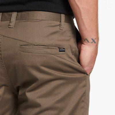 Pantalón corto VOLCOM bermudas para Hombre FRICKIN MODERN STRETCH SHORTS - MUSHROOM Ref. A0911601 Marrón Nueva colección