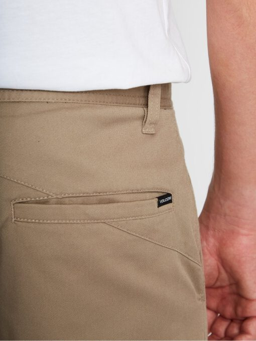 """Pantalón corto VOLCOM bermudas chino para Hombre FRICKIN MODERN STRETCH 19"""" - KHAKI Ref. A0931602_KHA caqui Nueva colección"""
