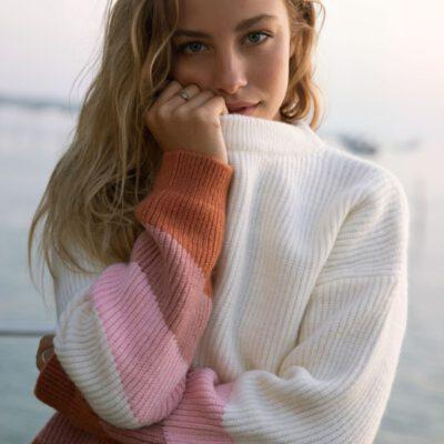 Jersey cerrado ROXY suave cuello redondo para Mujer Open Door SNOW WHITE (wbk0) Ref. ERJSW03417 blanco y rosa palo