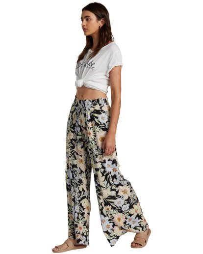 Pantalón BILLABONG con pierna amplia para Mujer Wandering Soul BLACK MULTI (6651) Ref. W3PT13BIP1 negro flores Nueva colección 2021