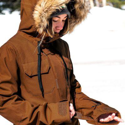 Chaqueta invierno VOLCOM Mujer Urbana con capucha pelo SHADOW INSULATED JACKET - RAME Ref. H0451913 cobre