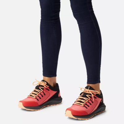 Zapatilla COLUMBIA Mujer para senderismo Trailstorm™ waterproof Ref. 1938911633 roja/negra