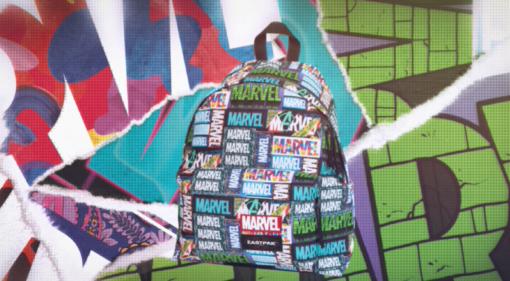 MOCHILA EASTPAK Padded Pak'r® 24litros EK620LL43 Marvel Black cómics y personajes Súper héroes fondo negra y blanca